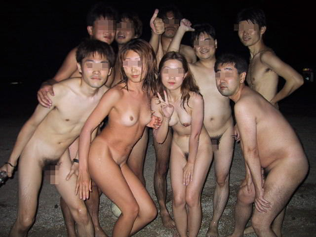 集団セックスがお好きwww男女入り乱れる一大乱交パーティーwww 2174