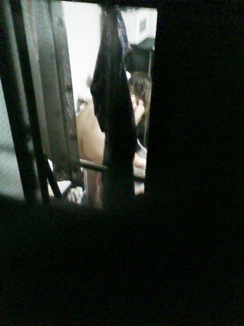 素人娘が自宅や更衣室で着替えてる姿をガチ隠し撮りしたヤバいエロ画像 2342