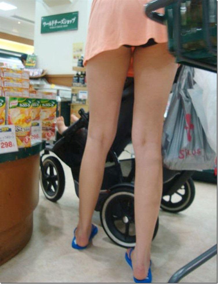 街で見かける人妻や熟女にエロスを感じるwwww隠し撮り画像放出wwwww 2508