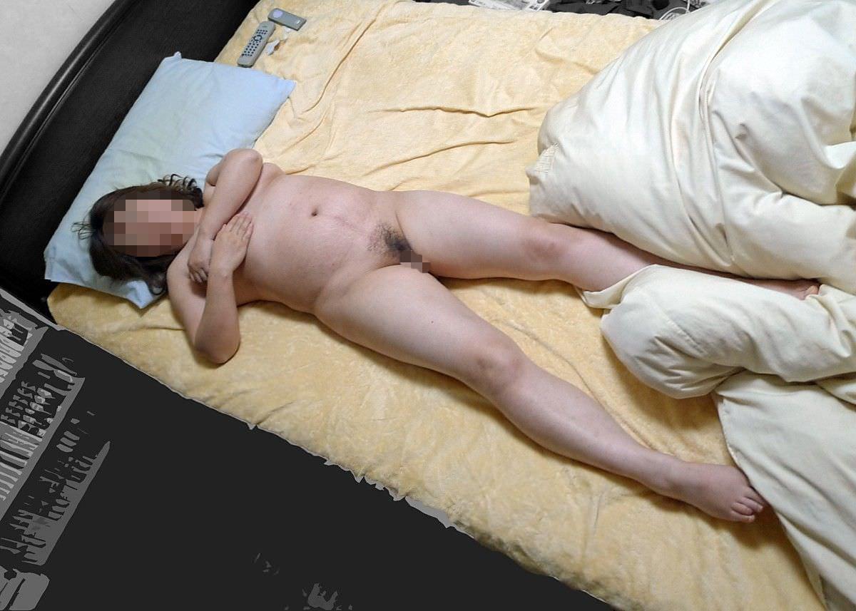 人妻系デリヘルで呼んだ熟女とセックス事後に撮影したエロ画像 2811