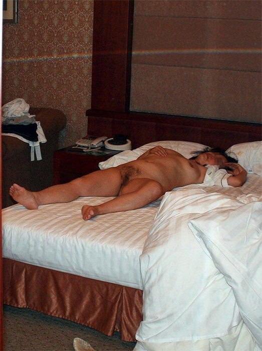 人妻系デリヘルで呼んだ熟女とセックス事後に撮影したエロ画像 3111