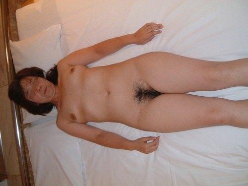 人妻系デリヘルで呼んだ熟女とセックス事後に撮影したエロ画像 3210