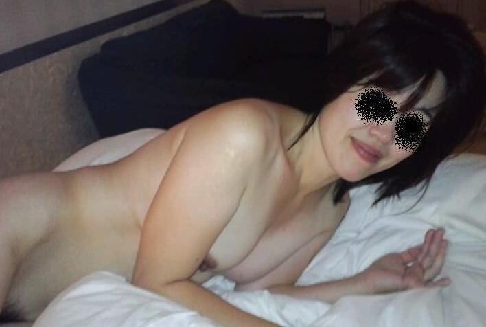 人妻系デリヘルで呼んだ熟女とセックス事後に撮影したエロ画像 371