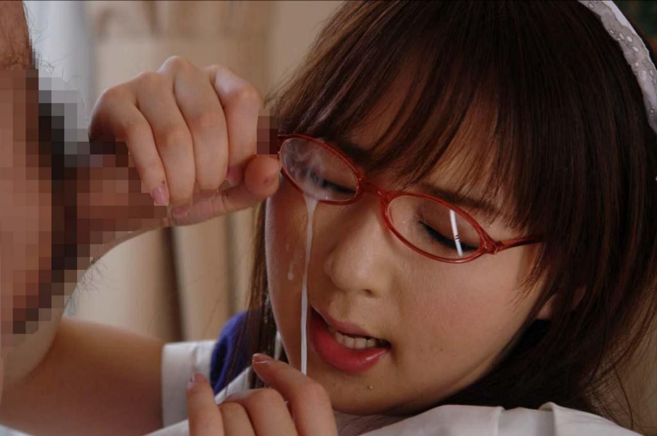 メガネっ娘の顔におもいっきりザーメンぶちまけた顔射ぶっかけエロ画像 728