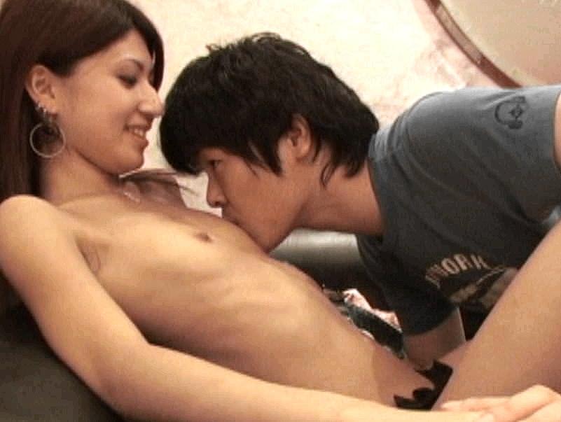 ガチ美人な貧乳素人娘をナンパしてホテルでハメ撮りしたエロ画像 0126