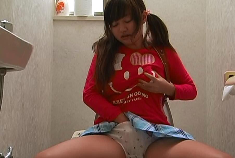 ランドセル背負ってJSコスプレしてる素人ロリ系女子を隠し撮りしたオナニーエロ画像 1025