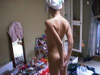 思春期の弟を勃起力を完全に舐めてる!自宅で全裸とか薄着姿でうろつく姉貴のエロ画像