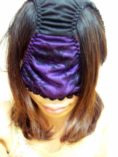 ドSな彼氏に変態仮面させられた可哀想な彼女のパンティー被ったおふざけエロ画像 11106