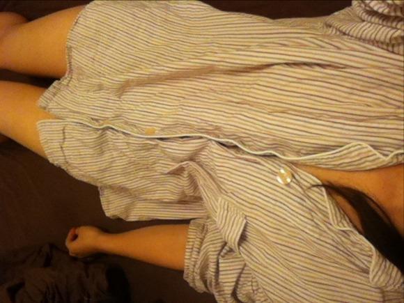 寝る前のパジャマ姿が可愛い素人娘のエロ画像 12118