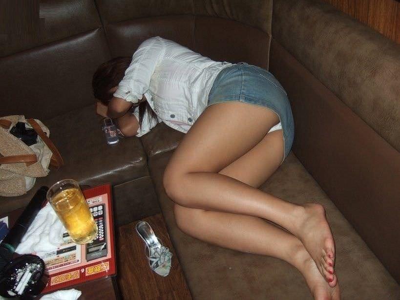 調子こいて酒飲みすぎた素人娘たちの悲惨なエロ画像 123