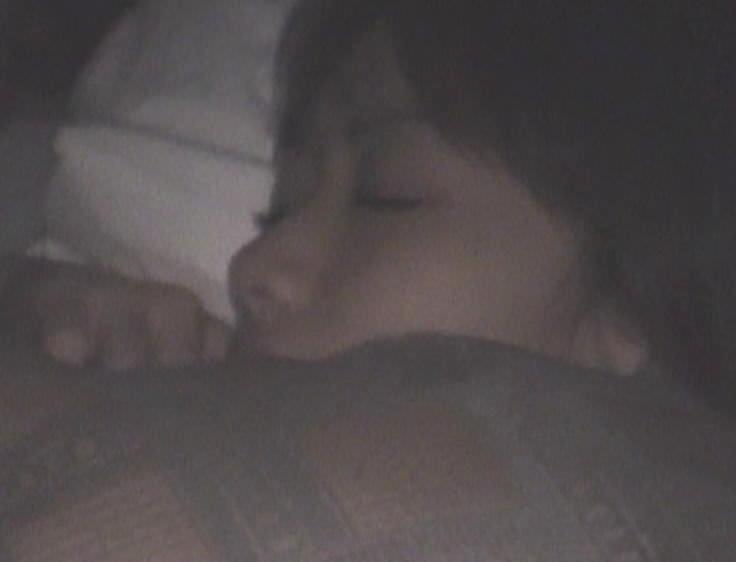 卒業旅行で女子大生の同級生をガチ夜這いしてまんこを隠し撮りしたエロ画像 1369
