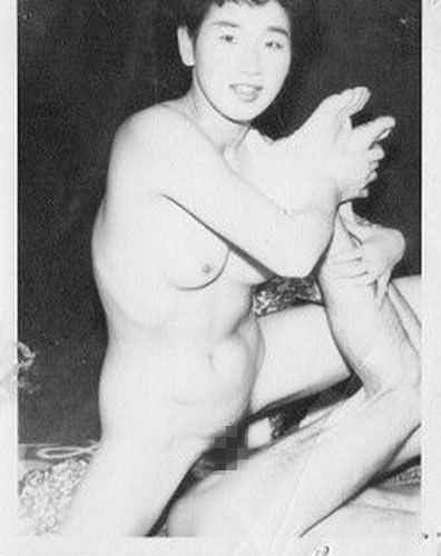 若かりし日の母さんがハメ撮りセックスしてる人妻エロ画像 138