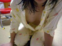 寝る前のパジャマ姿が可愛い素人娘のエロ画像