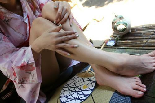 浴衣着た女の子を股間を逆さパンチラで撮影したエロ画像 1465