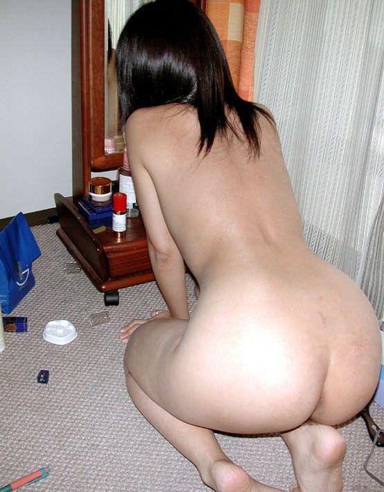 思春期の弟を勃起力を完全に舐めてる!自宅で全裸とか薄着姿でうろつく姉貴のエロ画像 1520