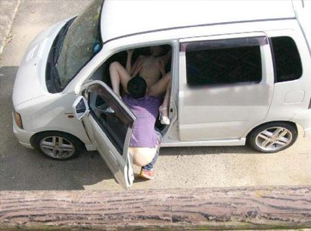 ガチでJ車内で犯っちゃってるドエロなカーセックスエロ画像 1962