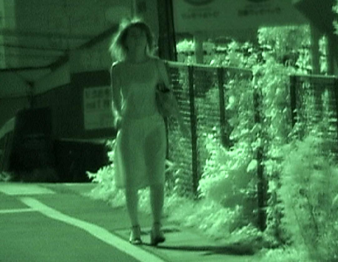 赤外線カメラの威力が半端ない!スケスケおっぱいや下着の街撮りエロ画像 2014