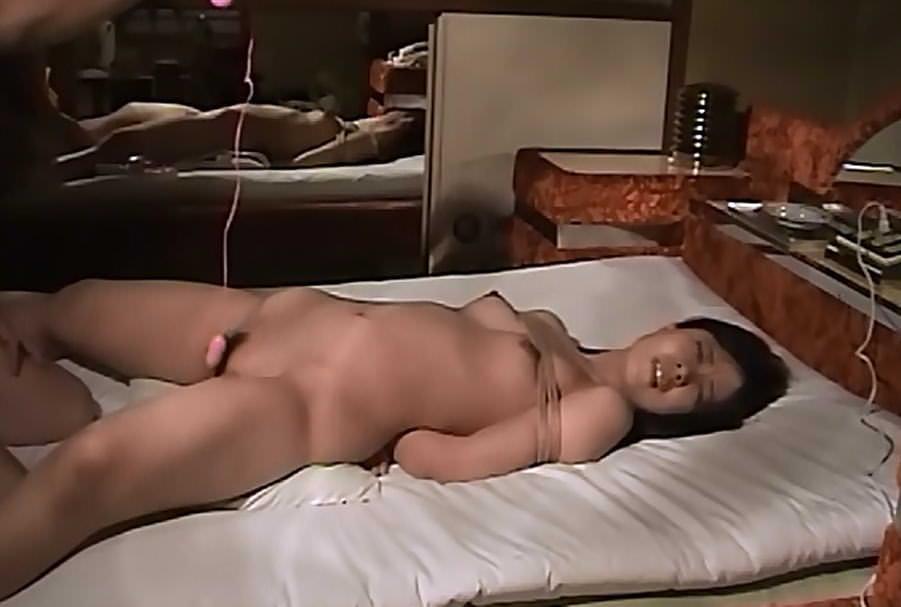 不倫中のセフレ人妻を性奴隷にして調教した時のハメ撮りエロ画像 2143
