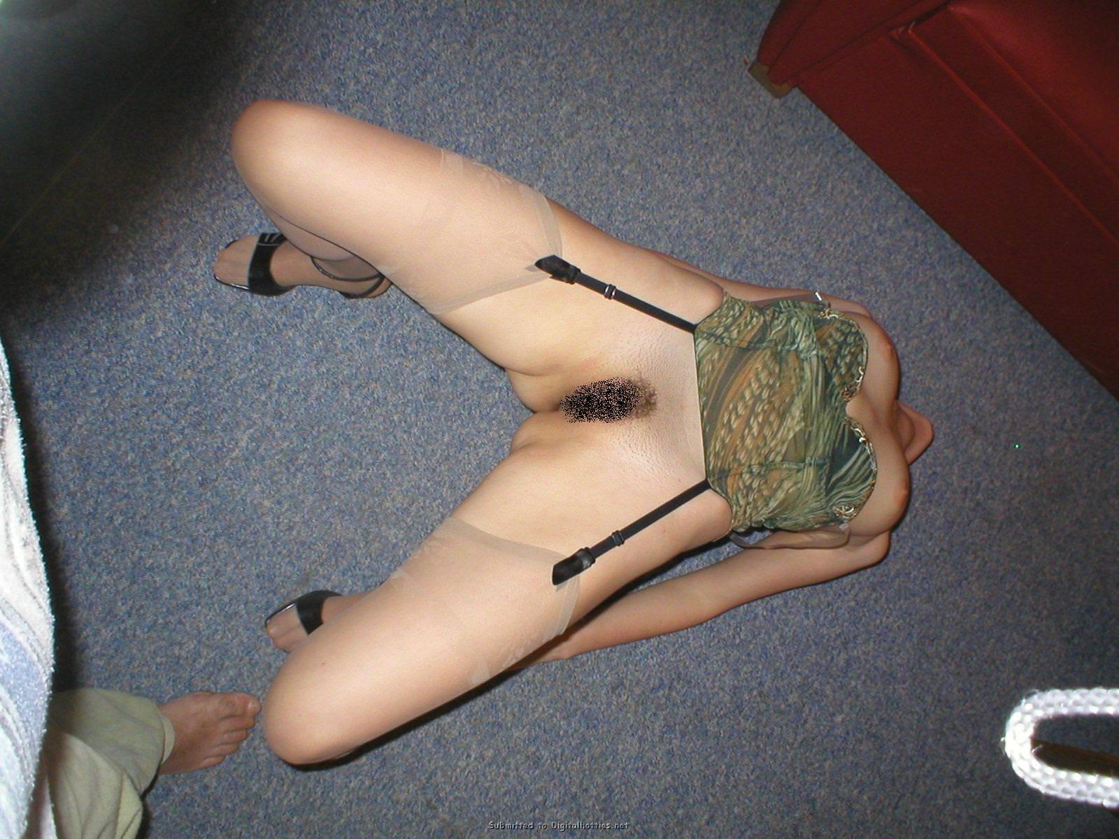 騎乗位でガンガン逝きまくってる変態女子のハメ撮りエロ画像 2210