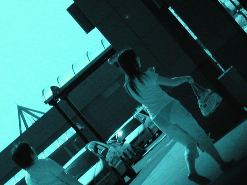 赤外線カメラの威力が半端ない!スケスケおっぱいや下着の街撮りエロ画像 2411