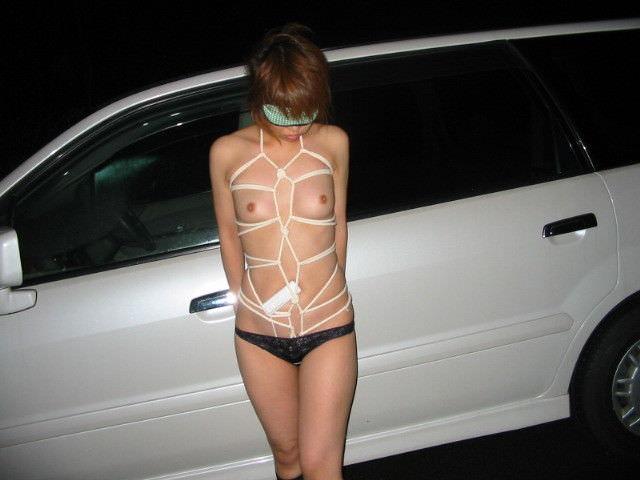 変態旦那とドライブ中にスイッチ入っちゃって脱いじゃった露出狂人妻のエロ画像 665