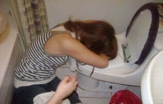 調子こいて酒飲みすぎた素人娘たちの悲惨なエロ画像 73