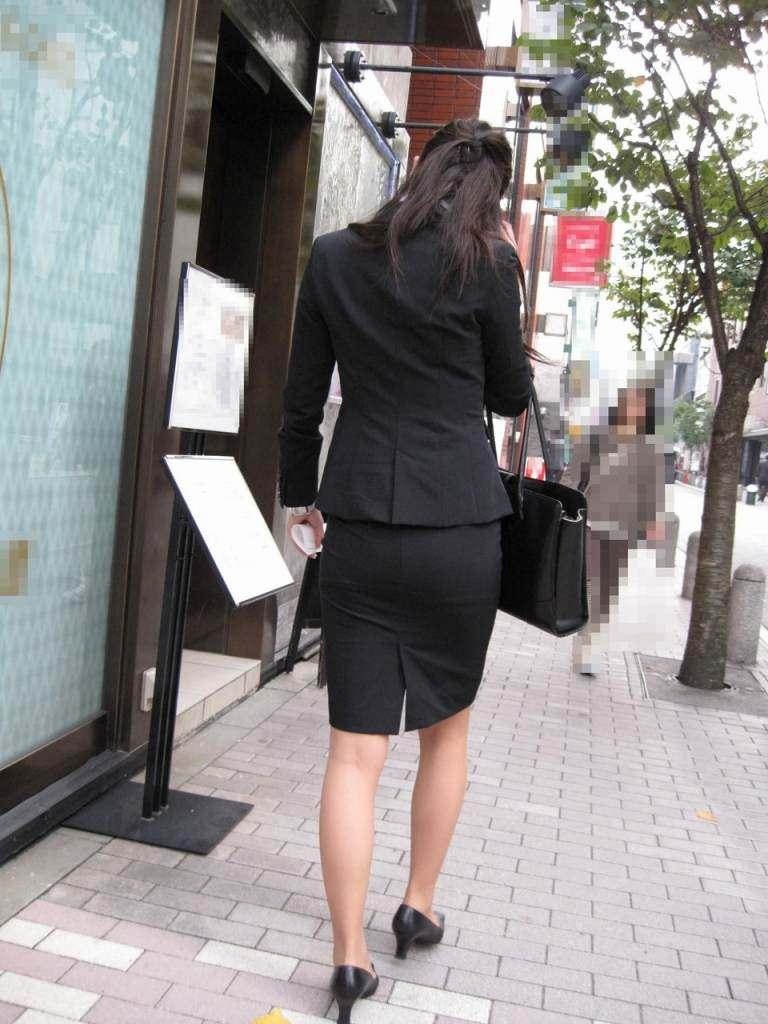 OLフェチにはヤバい新入社員のリクルート姿の街撮りエロ画像 9