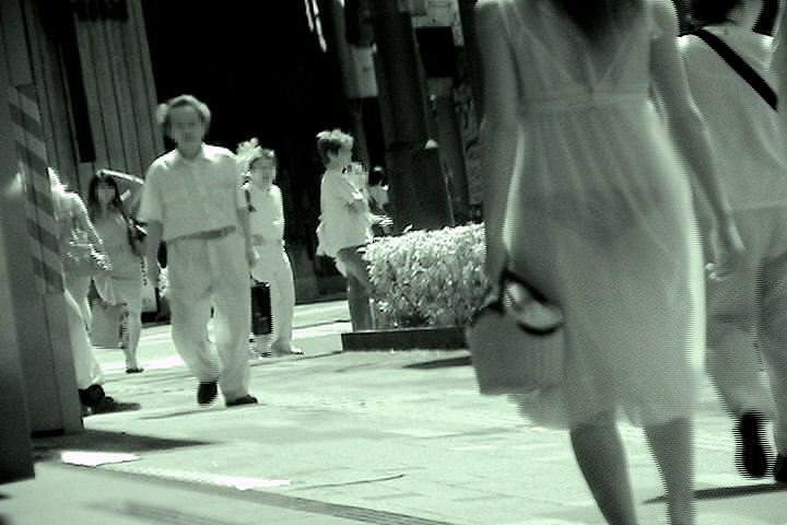 赤外線カメラの威力が半端ない!スケスケおっぱいや下着の街撮りエロ画像 918