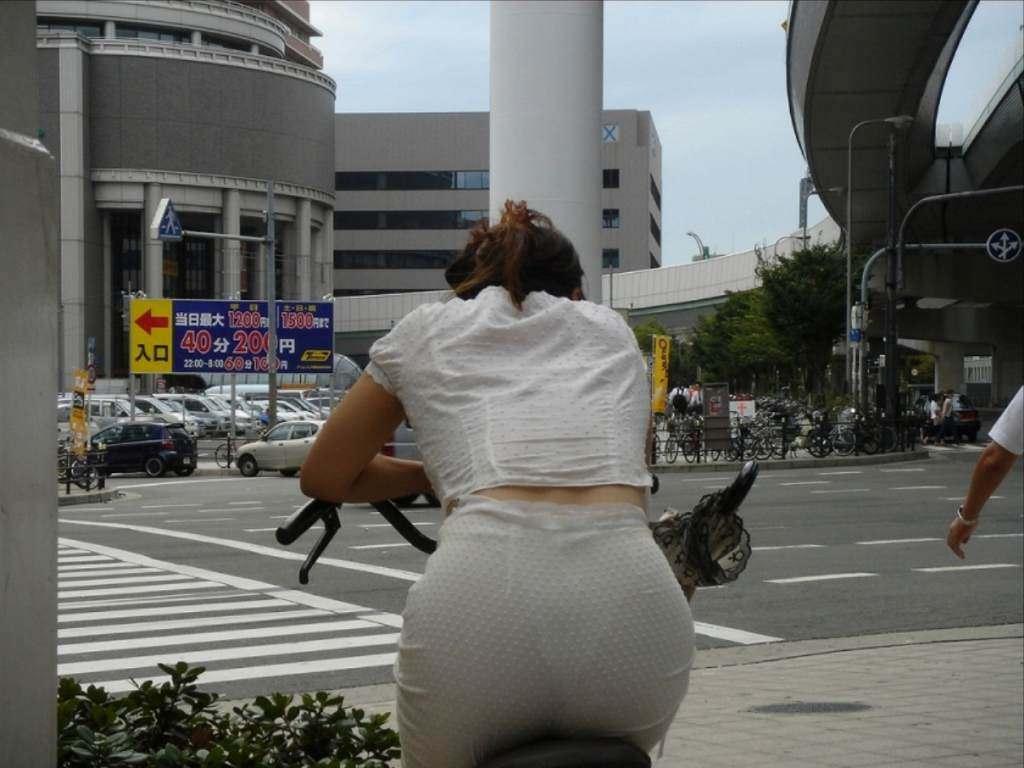 サドルを圧迫してる素人のお尻がエロい街撮りエロ画像 10102