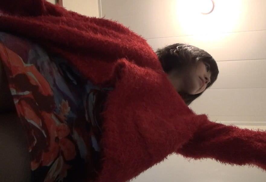 居酒屋のトイレでガチ隠し撮り→激カワお姉さんのオシッコとまんこwwwww素人エロ画像 11116