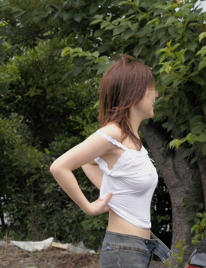旦那の趣味で透け乳首プレイされてる人妻たちの街撮り素人エロ画像 13114