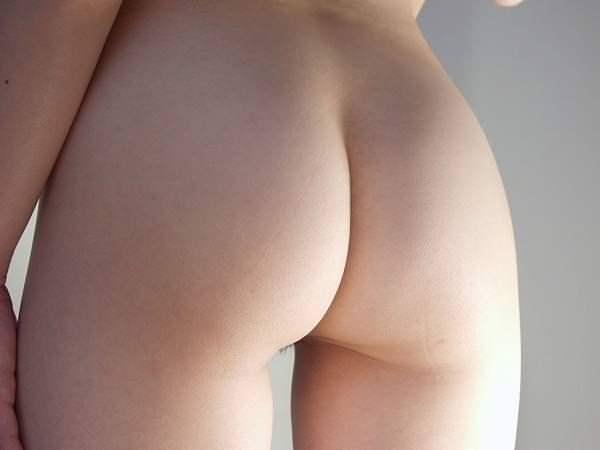 彼女の可愛いプリプリのお尻をネット公開wwww素人エロ画像 1465