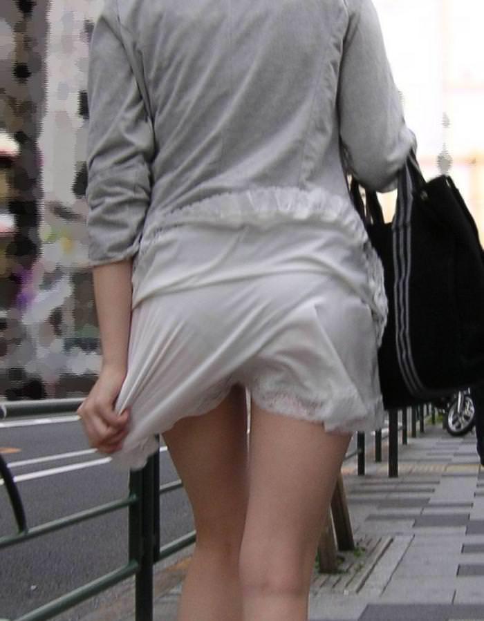 おパンティー透け透けのセクシーギャルを街撮りした透けパンチラエロ画像 162