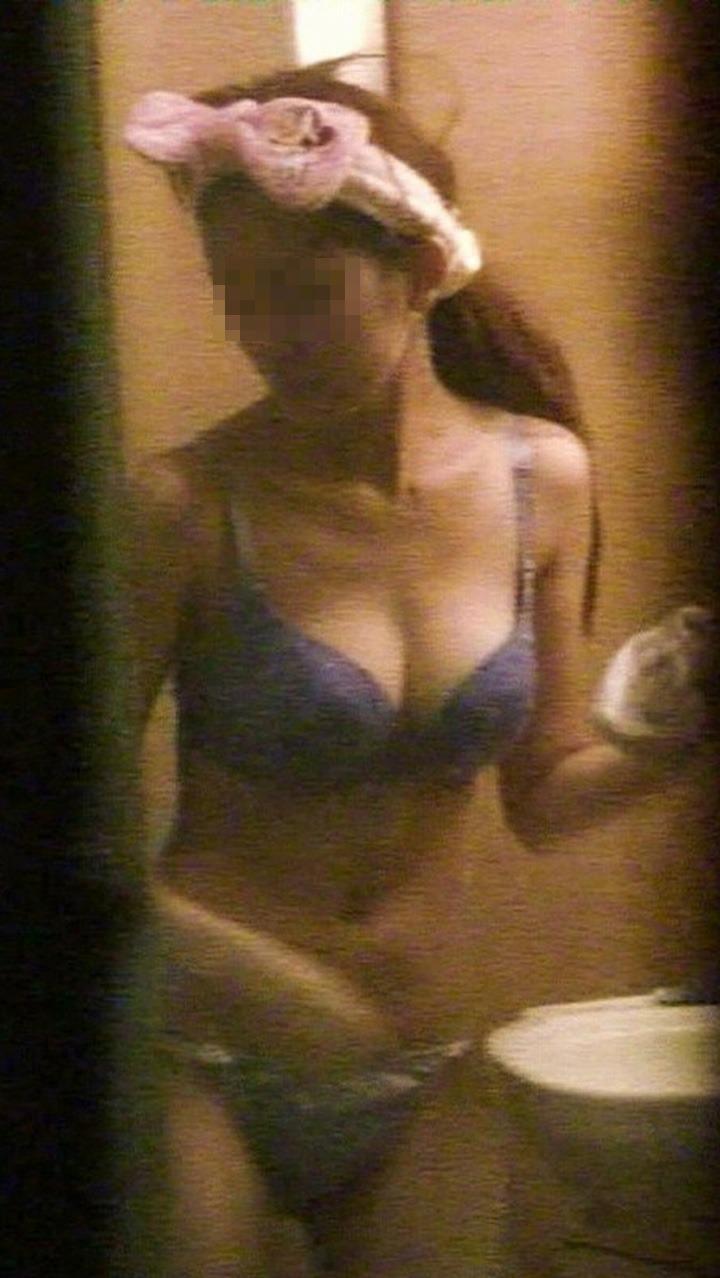 素人娘がカーテンの隙間から覗かれているガチな奴wwwこの隠し撮りはヤバすぎるwwwww 1836 1