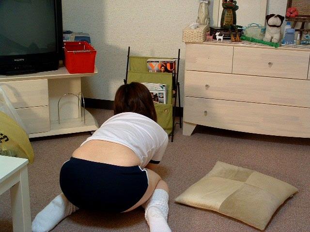 ロリコンのおっさんにナンパされた素人娘がブルマコスプレで犯された流出エロ画像 21126