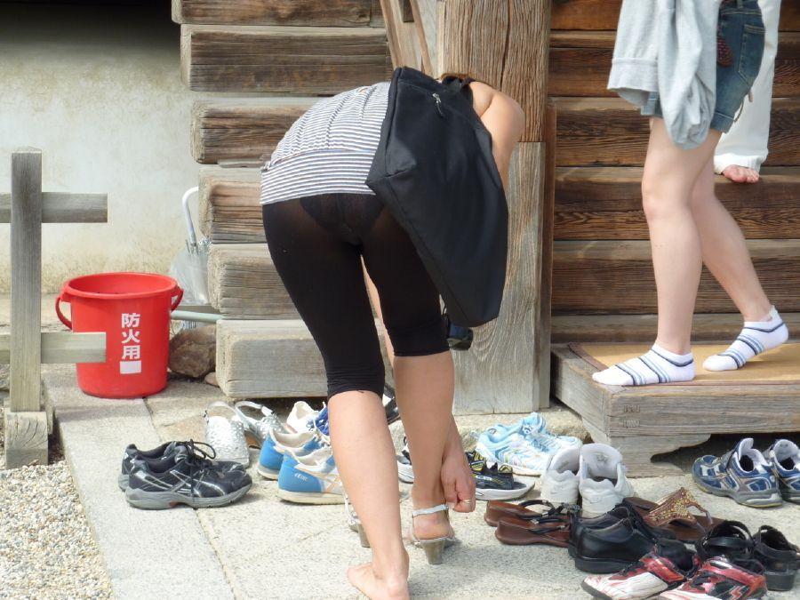 パンツやスカートが白いからパンティーモロ透け!素人の街撮りエロ画像 2163