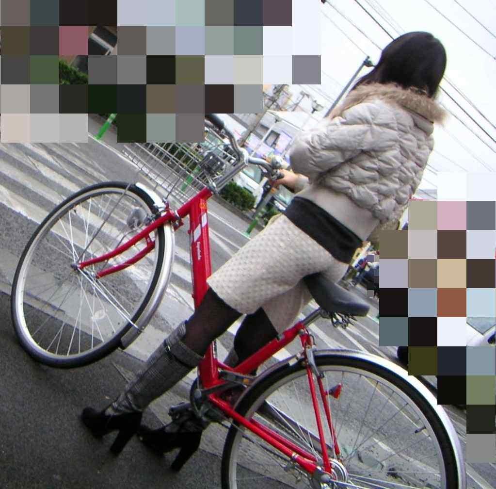 サドルを圧迫してる素人のお尻がエロい街撮りエロ画像 2927