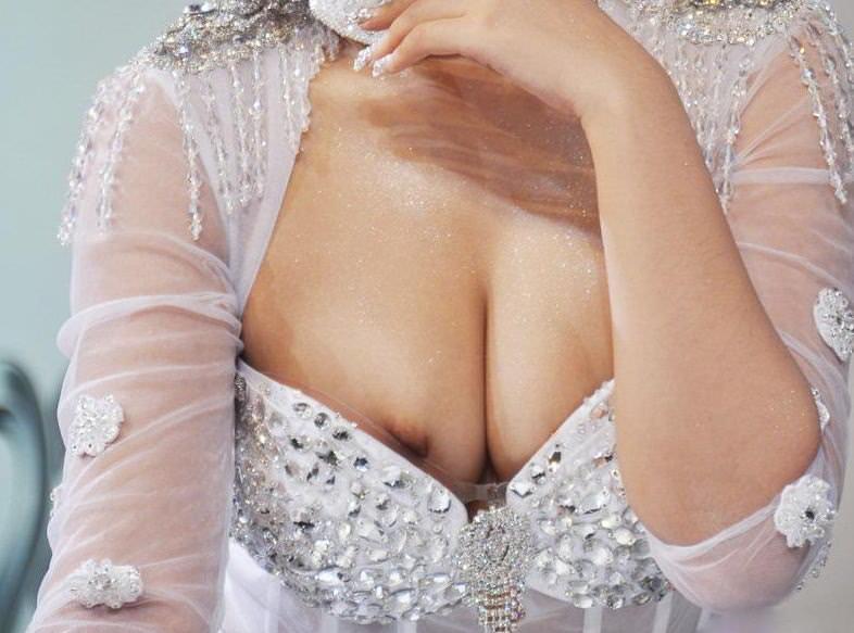 キャンギャルやコンパニオン達のパンチラや乳首ポロリのエッチなハプニングエロ画像 3415