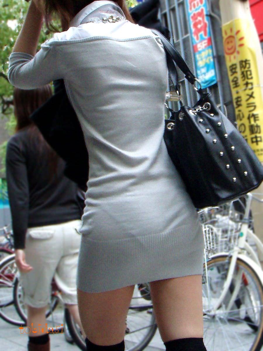 おパンティー透け透けのセクシーギャルを街撮りした透けパンチラエロ画像 37