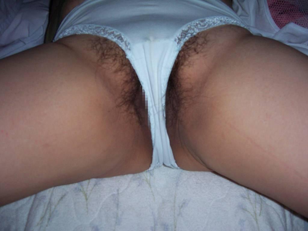 エッチな汁にまみれるマン毛www下着からハミ出す素人の剛毛エロ画像 565