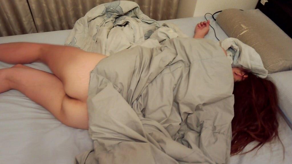 素人の彼女の可愛い寝姿を写メって勝手にネット投稿したったwwwwエロ画像 676