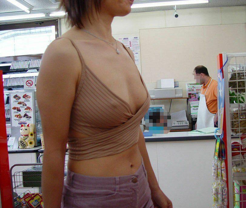 旦那の趣味で透け乳首プレイされてる人妻たちの街撮り素人エロ画像 8112