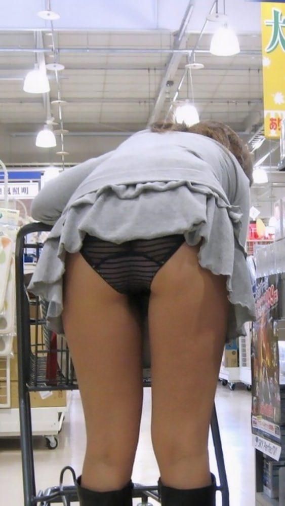 色んなシチュエーションで無防備な下半身を晒す素人女の太ももをちゃっかり撮っちゃいましたwwwwww 13145
