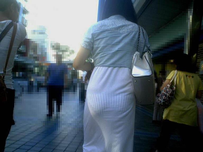 素人のエッチなお尻とパンツが透けてるwwww街撮りエロ画像 1445