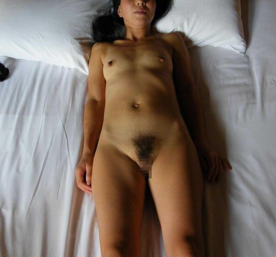 むっちり張り裂けそうな熟女のおっぱいボディがヤバ過ぎる素人妻エロ画像 155