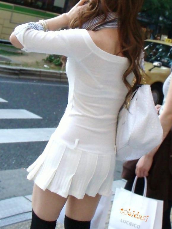 見せパン見せブラかな!?透けすぎだろwwww女子の素人街撮り画像wwwww 1603