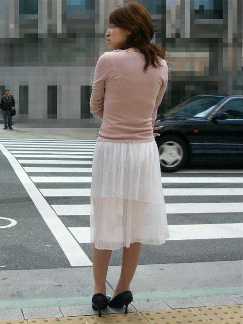 見せパン見せブラかな!?透けすぎだろwwww女子の素人街撮り画像wwwww 1618 1