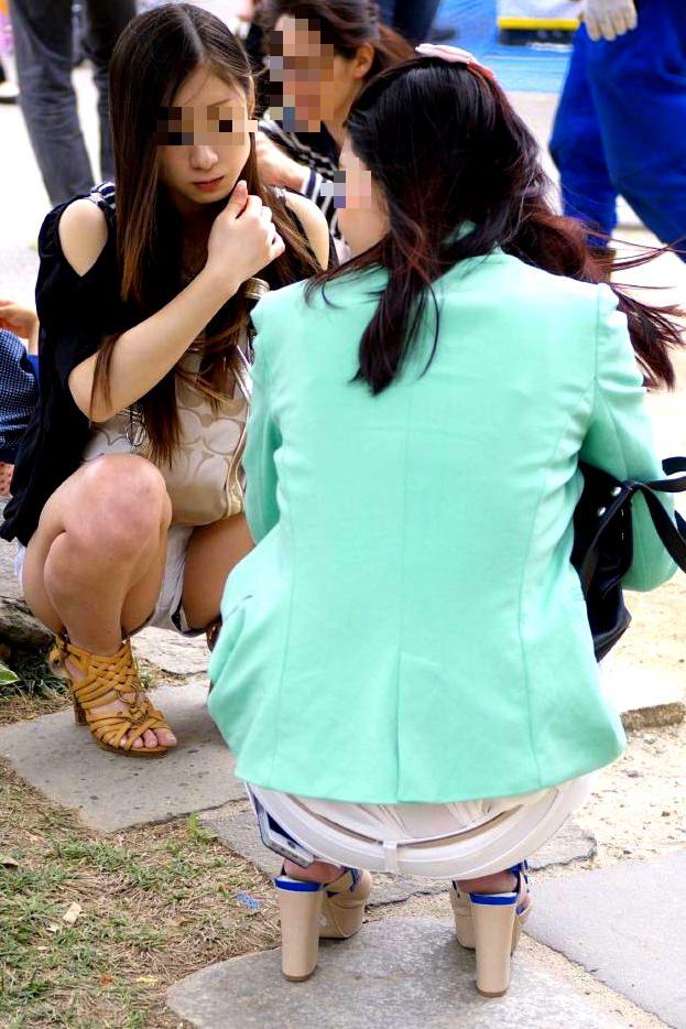 すべすべした太ももが露出するホットパンツ女子の街撮り素人エロ画像 2205