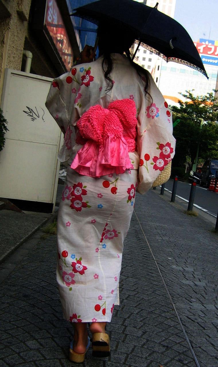 夏祭りに浴衣で来てる素人女子のお尻が清楚で可愛い過ぎるwwwww街撮りエロ画像 2246