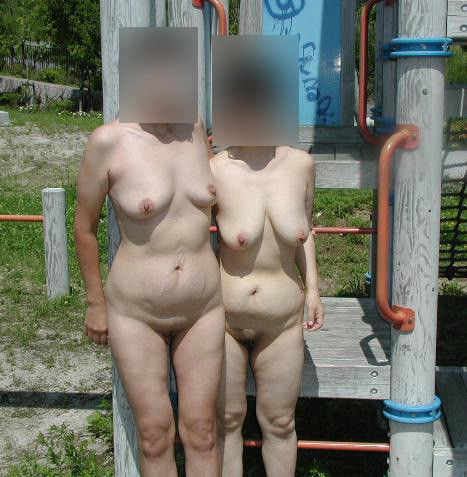 セックスし過ぎで飽きちゃった熟女www性的興奮を野外に求める人妻たちの露出素人エロ画像 2810